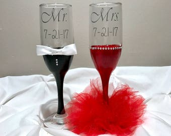 Wedding champagne flutes. Tutu champagne glasses. Bride and groom toasting glass.
