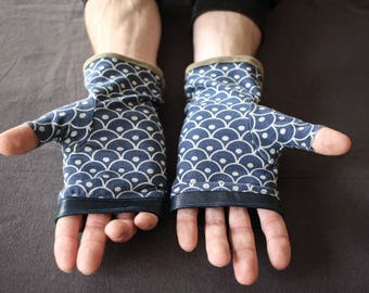 Mittens for man in blue leather and jersey
