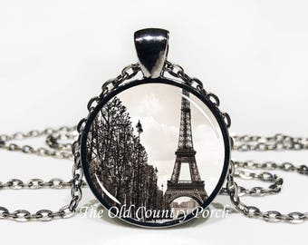Eiffel Tower/Paris-Glass Pendant Necklace/Graduation gift/mothers day/bridal gift/Easter gift/Gift for her/girlfriend gift/friend gift