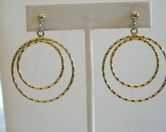 Round Gold Tone Finish Dangle Pierced Earrings