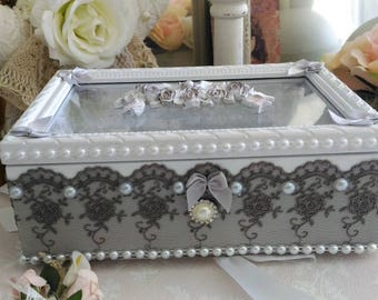 Box or jewelry box white gray Pearl shabby chic