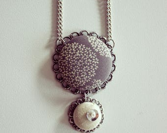 Grey and white covered buttons necklace