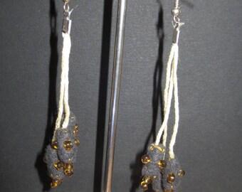 Grey felt and 6 beads earrings
