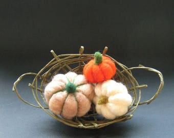 Felt pumpkins in a basket, felted pumpkins, Autumn decor, home decor, Thanksgiving decor, pumpkin fiber, fairy tale pumpkins, magic pumpkins