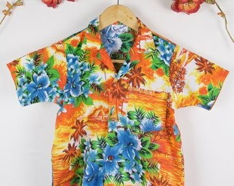 Adorable Vintage 70's Childs Brightly Coloured Hawaiian Summer Holidays Sunchaser Shirt