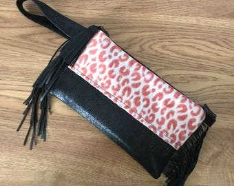 Wristlet cell phone purse