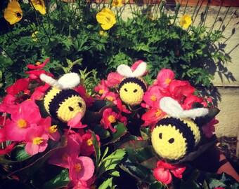 Buzzy Bee crochet amigurumi