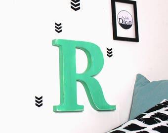 lettre en bois R diabolo menthe patiné à accrocher pour  une décoration murale, un mariage,un anniversaire _ mylittledecor