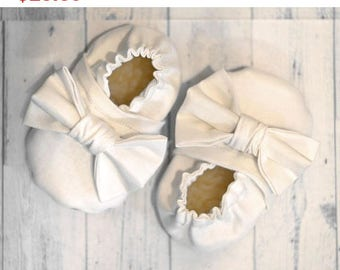 Sale white party shoes big bow girl shoes birthday baby shoes baby girl gypsy outfits white bow booties bow mocassins white bow girl shoes