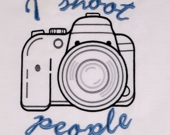 DSLR camera I shoot people 5x7 machine embroidery design
