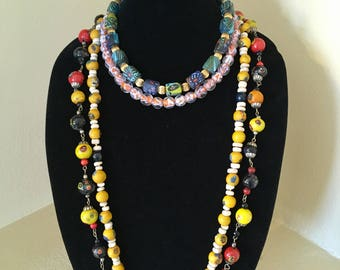 One vintage beaded necklace