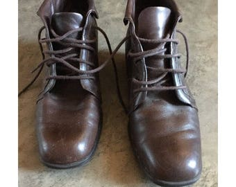 Vintage 90s Ankle Boots, lace up boot, cuffed boots, size US 8 1/2
