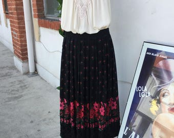 Gipsy style wool skirt. Black with red pattern and embroidery. Midi length