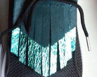 Pair of lugs fringed leather reversible fashion lace shoe
