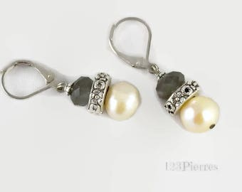 Natural cultured pearl and gray crystal for these short earrings - An 123Pierres jewel by MP Bertrand