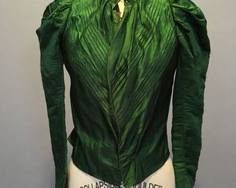 1890s kelly green silk bodice