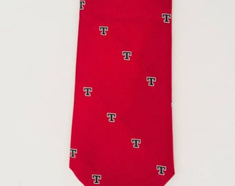 "Rivetz of Boston Red  Necktie  With (T)   Silk Man Tie 55""L  X 3.75"" W Made in USA"