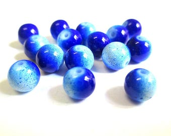 10 two-tone blue glass beads 8mm (P-1)
