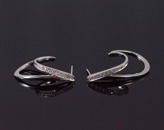 14k Diamond Inset Tiered Wavy Hoop Earrings Gold