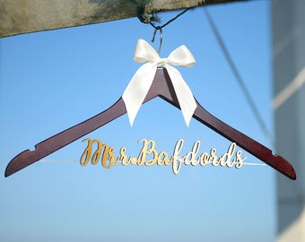 Wedding Hanger, Personalized Wedding Hanger, Personalized Custom Single Line Bride Name Bridal Hanger, Bridal wedding Gift vet0004