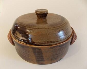 Stoneware lidded casserole