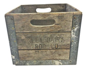 Vintage Primitive Wood Box ADVERTISING wooden shipping ALEXANDRIA DAIRY crate va virginia dc toy storage loft decor