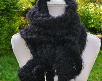 """Winter * hand knitted scarf in """"Garance"""" - black - Christmas - model-unique gift idea"""