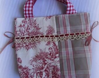 Bag bordeaux red tones and crochet lace