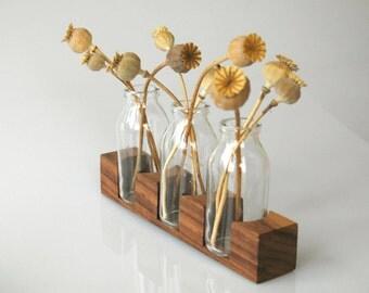 Vase für die Hochzeitsfeier, romantische Tischdekoration, Vase aus Nussbaum