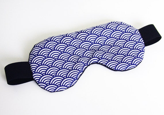 masque de nuit de sommeil motif bleu japonais cache yeux. Black Bedroom Furniture Sets. Home Design Ideas