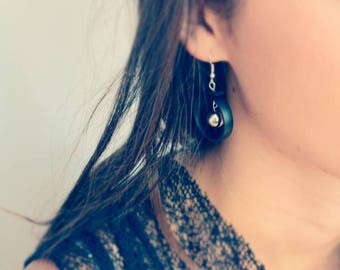 Black silicone and silver Pearl Earring