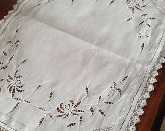 20's cutwork and lace traycloth. 20ins x 14