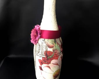 Decorated Wine Glass Bottle.Custom Art Bottle.Centerpiece.PerfectGift.Table Decor.HomeDecor.Display.Decoupage Art.Unique.Flowers.Vase.