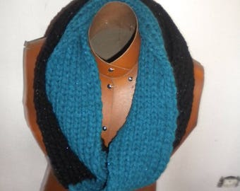 scarf is closed collar wool with sequins