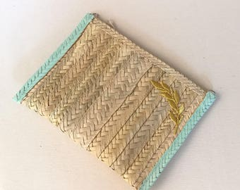 Portfolio of Palm blue with Golden Spike.