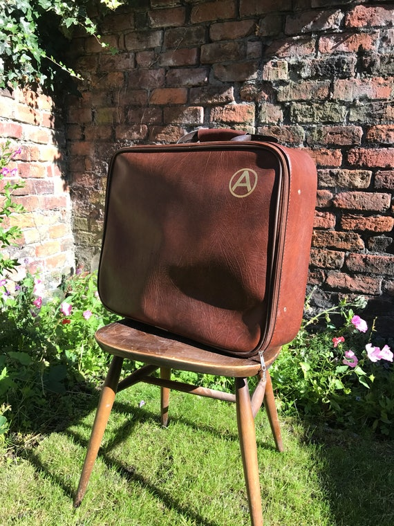 BROWN RETRO SUITCASE | A Monogram Zipped 70s Mans Mod Bag | Brown Vintage Luggage | Brown Case | Vintage Brown Home Decor | Brown Suitcase