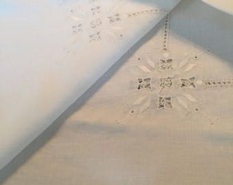 Vintage white linen table square 29x29 beautiful mint condition no holes or stains beautiful.