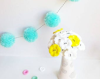 White and yellow big daisy button bouquet