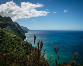 Hiking The Naapali Coast Kauai Hawaii ocean cliffs rugged blue turquoise seascape landscape horisontal