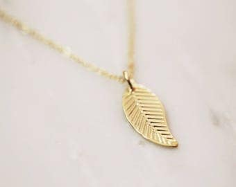 Leaf Necklace / Gold Dainty Leaf Layering Necklace