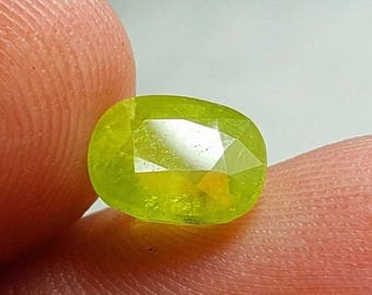 WOW 2.6 Carat Beautiful Color Loose Gemstone Sphene (Titanite) @Afghanistan 8*6*5mm (9)