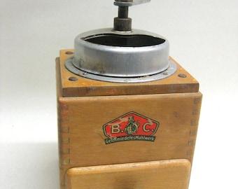 Vintage coffee Mill Rare BC Moulin a cafe Bernhard & Comp Rustic Crank Vodka Grinder original German coffee vintage machine