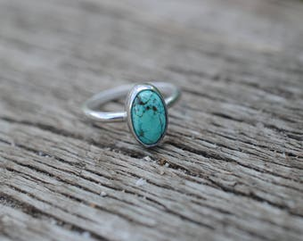 Simple Turquoise Ring   Size 7   Sterling Silver