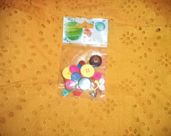 50 Pack of buttons for age 4+
