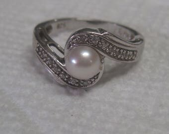 Sterling Silver Ring with Pearl like Stone