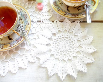 1 Doily and 2 Coasters, Crochet Teatimes Set, White Crochet Doilies and Coasters Set, Gift Set of 2, Gift Set for Sisters, Tea Drinking Set