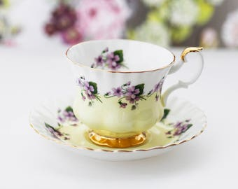Lovely Royal Albert TEACUP, Lilac Violets, Pale Yellow band and goldgilt foot, Montrose-shape, large size, c1980s