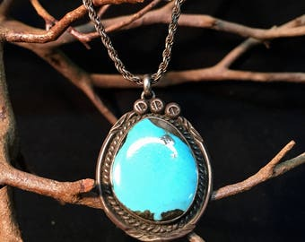 """Vintage Sterling Silver/ Turquoise Pendant with 17"""" Silver Chain   #019"""