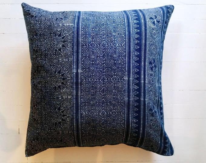 """Mor Hom lumbar throw pillow 20"""" x 20"""""""