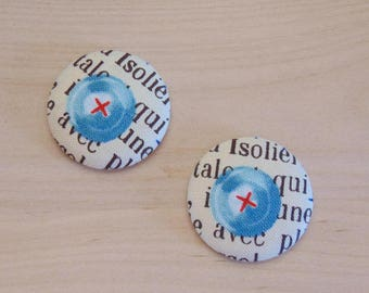 2 cabochons x 28mm heart button has 13 ref fabric